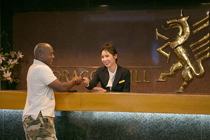 DHL_hotel_lobby-guest_722.jpg